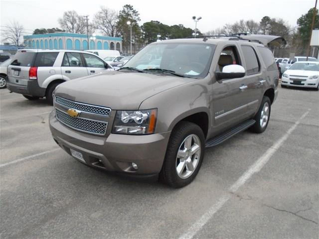 used 2012 chevrolet tahoe ltz 4x4 4dr in hickory nc at everett chevrolet buick gmc cadillac. Black Bedroom Furniture Sets. Home Design Ideas