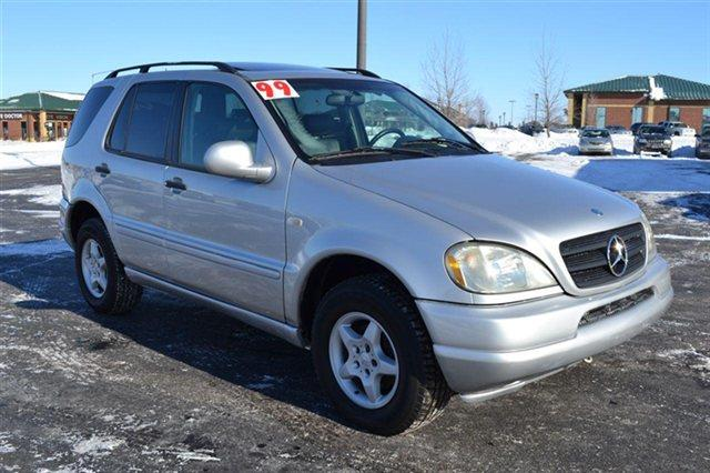 1999 MERCEDES-BENZ M-CLASS ML320 4DR AWD 32L SUV brilliant silver metallic this 1999 mercedes-ben
