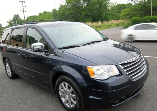2008 Chrysler Town and Country for sale in Quakertown PA