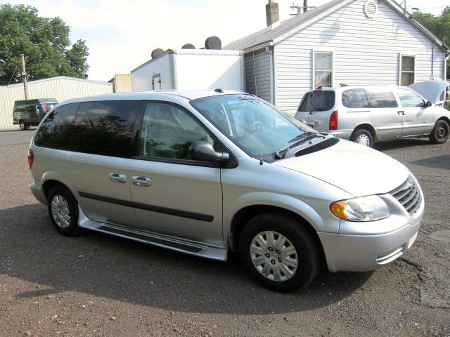 2005 Chrysler Town and Country for sale in Quakertown PA