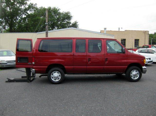 2001 Ford E-Series Wagon E-350 SD XL 3dr Passenger Van - Quakertown PA