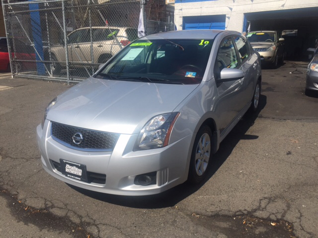 2010 nissan sentra 2 0 sr 4dr sedan in newark nj deals on wheels. Black Bedroom Furniture Sets. Home Design Ideas