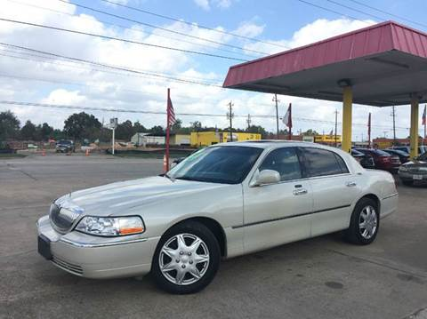 2007 Lincoln Town Car for sale in Pasadena, TX