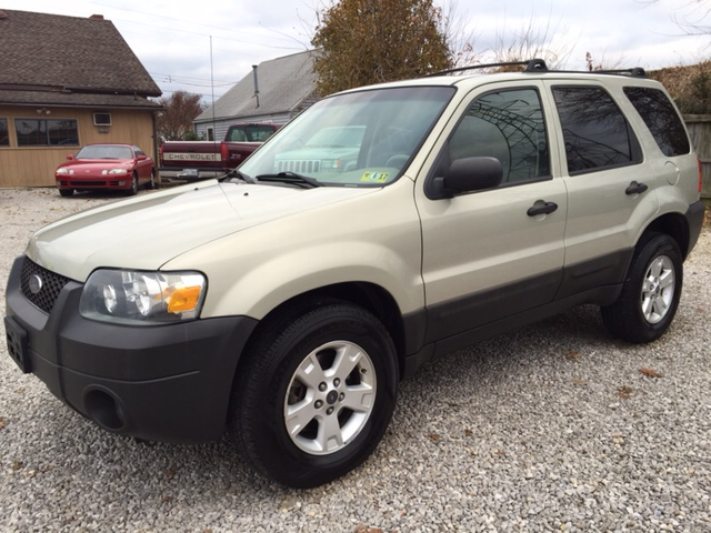 2006 ford escape xlt awd 4dr suv w 3 0l in vienna wv easter brothers preowned autos. Black Bedroom Furniture Sets. Home Design Ideas