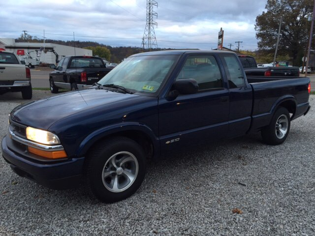 2003 chevrolet s 10 3dr extended cab ls rwd sb in vienna wv easter brothers preowned autos. Black Bedroom Furniture Sets. Home Design Ideas