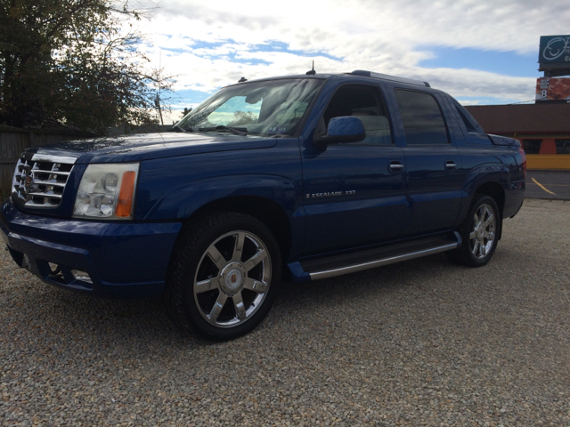 2003 cadillac escalade ext base awd 4dr crew cab sb in vienna wv easter brothers preowned autos. Black Bedroom Furniture Sets. Home Design Ideas
