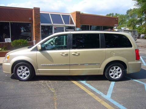 2011 Chrysler Town and Country for sale in Livonia, MI