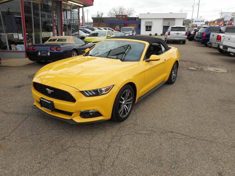 2015 Ford Mustang EcoBoost Premium 2dr Convertible - Lancaster OH