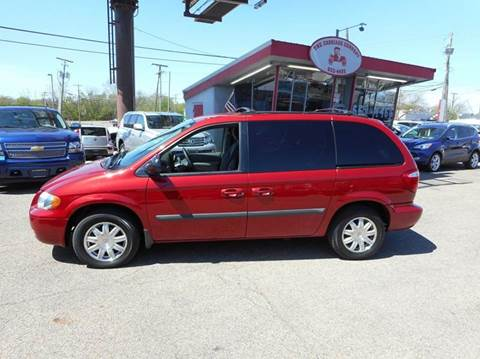 2006 Chrysler Town and Country for sale in Lancaster, OH