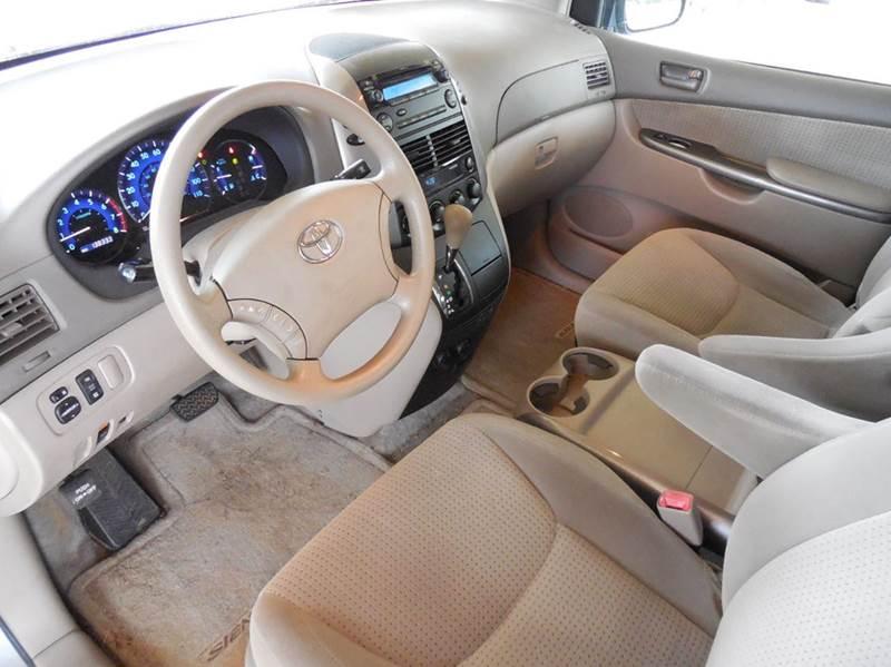 2006 Toyota Sienna CE 7-Passenger 4dr Mini-Van - Cartersville GA