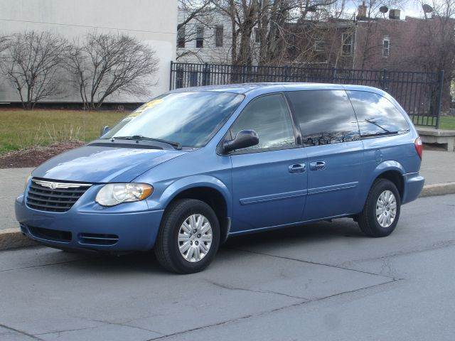 2007 chrysler town and country lx 4dr ext minivan albany ny. Cars Review. Best American Auto & Cars Review