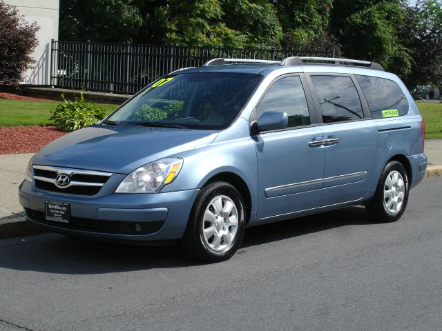 2007 Hyundai Entourage for sale