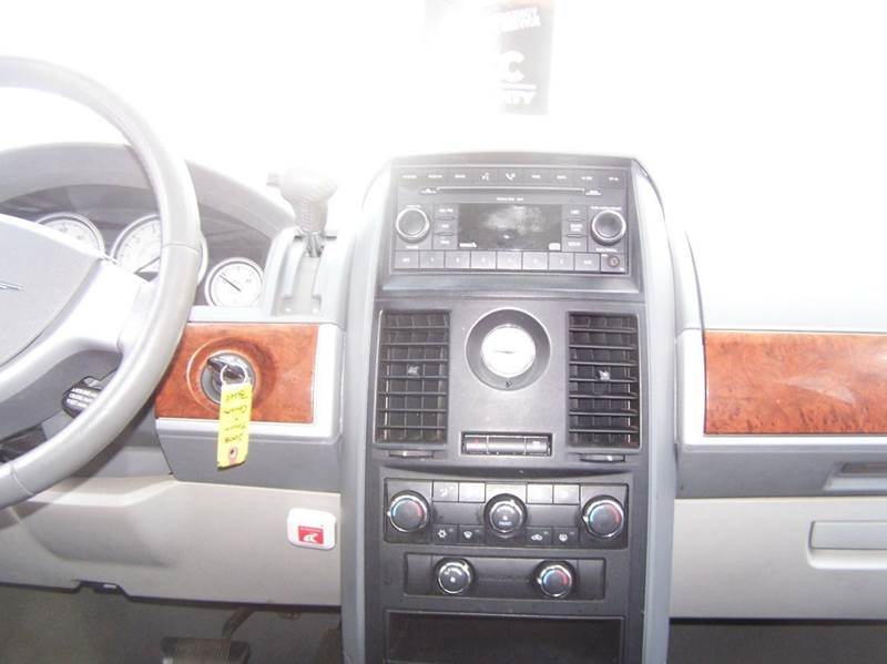 2008 Chrysler Town and Country Touring 4dr Mini-Van - Bowling Green OH