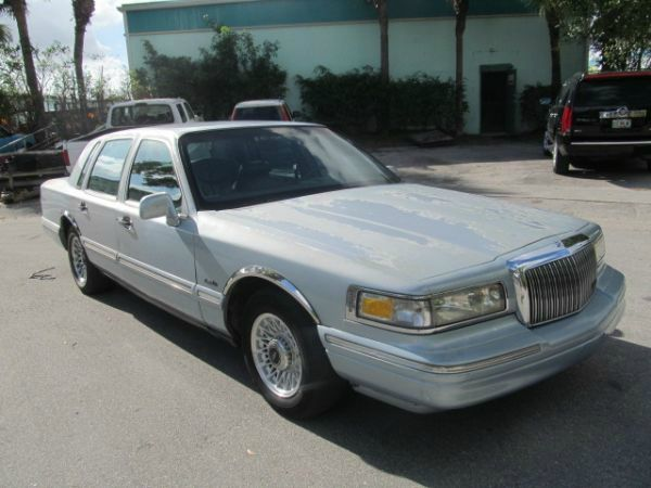 1997 lincoln town car used cars for sale. Black Bedroom Furniture Sets. Home Design Ideas