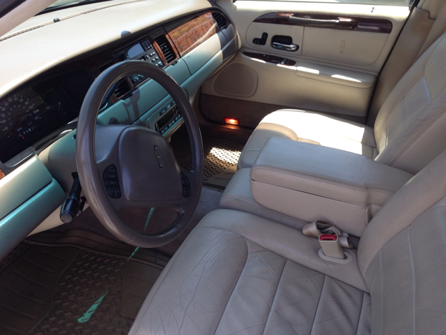 1999 Lincoln Town Car for sale in Elizabethton TN