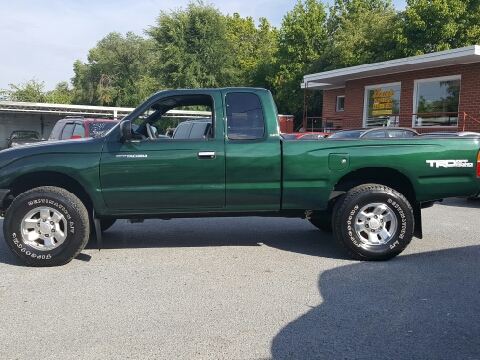 2000 Toyota Tacoma for sale in Elizabethton, TN