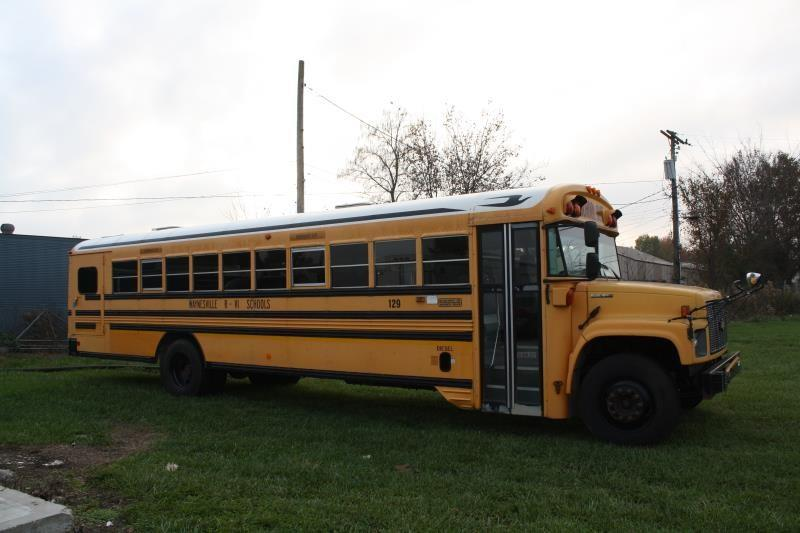2001 Blue Bird B7000 B SERIES