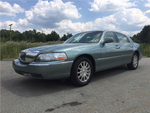 2006 Lincoln Town Car for sale in Verona, PA