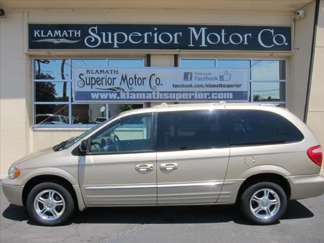 2001 Chrysler Town and Country for sale in Klamath Falls OR