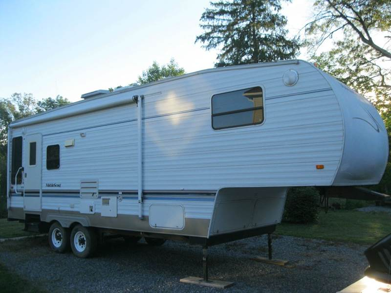Super Appealing 60 Square Foot Mobile Cabin Camper: 2004 Sunnybrook Mobile Scout 2750 28' 5th Wheel Camper In