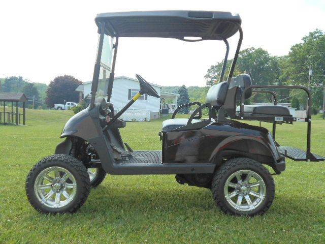 2010 EZ-GO RXV Lifted Golf Cart 4 Passenger