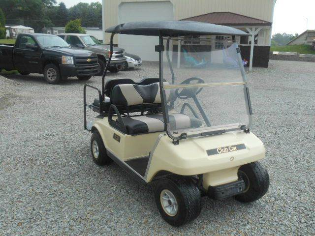 2006 Club Car 4 Passenger Golf Cart with Striped Seats
