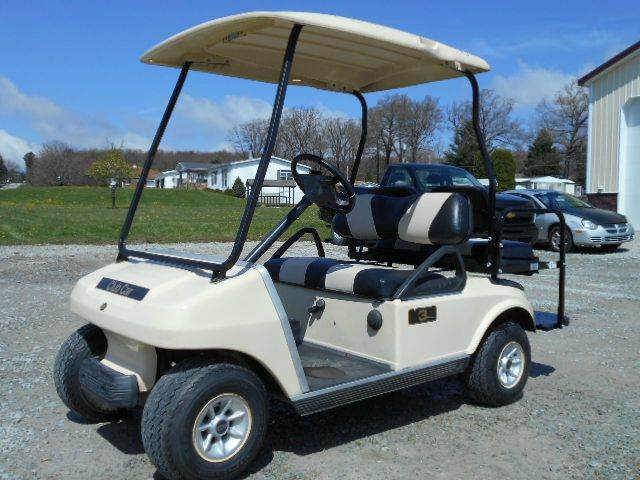 2006 Club Car Gas 4 Passenger Golf Cart with Striped Seats