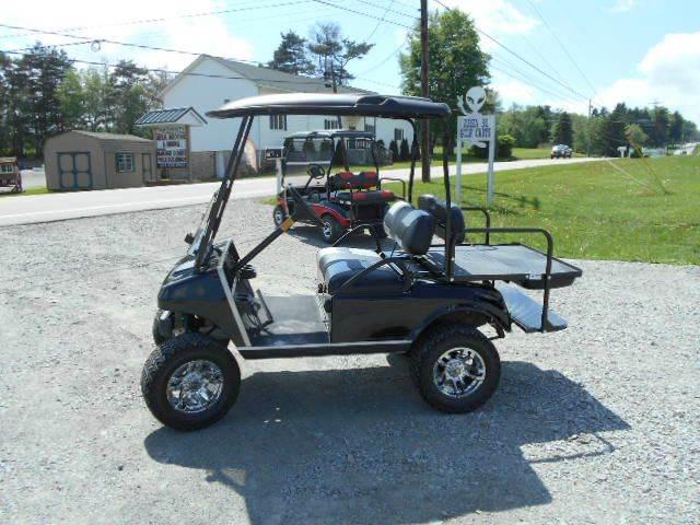 "2006 Club Car Lifted Golf Cart 4 Passenger ""GAS"""