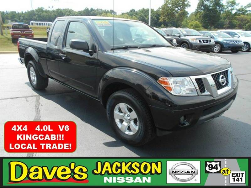 2012 NISSAN FRONTIER SV V6 4X4 4DR KING CAB PICKUP 5A black 3000 push pull or drag reflected in