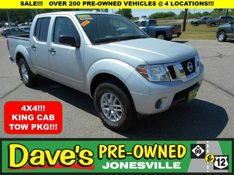 2014 NISSAN FRONTIER SV 4X4 4DR CREW CAB 5 FT SB PIC silver 0 reported accidents and only 1 owne