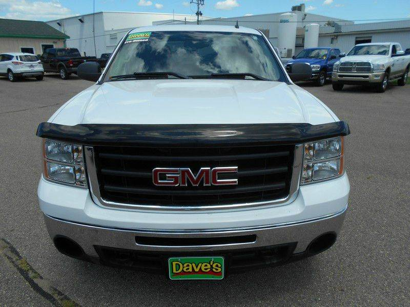 2010 GMC SIERRA 1500 SLE 4X4 4DR CREW CAB 58 FT SB white come check out one of our newest arriv