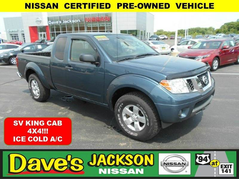 2013 NISSAN FRONTIER SV V6 4X4 4DR KING CAB 61 FT S blue 3000 push pull or drag reflected in