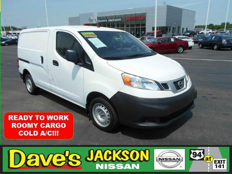 2014 NISSAN NV200 S 4DR CARGO MINI VAN white 3000 push pull or drag reflected in the price list