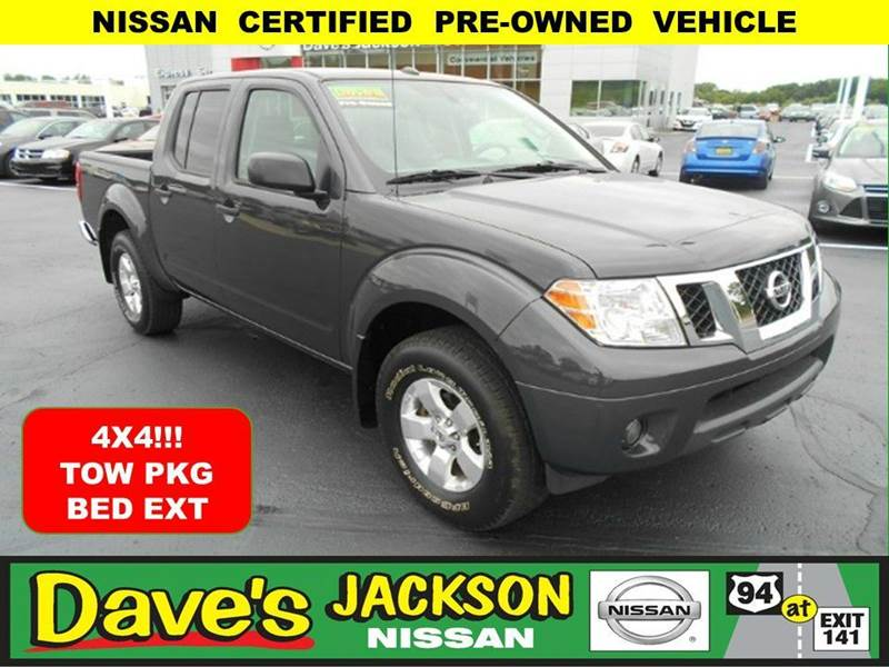 2013 NISSAN FRONTIER SV 4X4 4DR CREW CAB 5 FT SB PIC blue 3000 push pull or drag reflected in