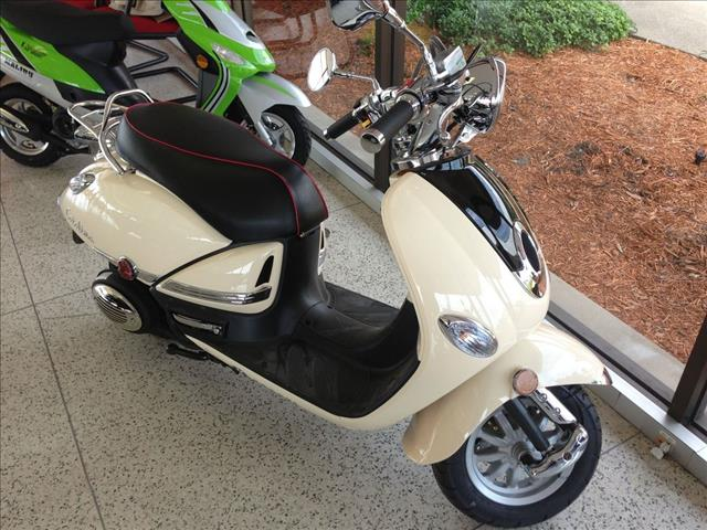 2013 PROPEL SCOOTER CATALINA