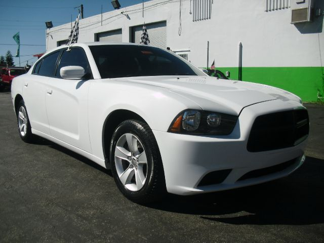 2011 DODGE CHARGER SE 4DR SEDAN white beautiful sporty muscle car dodge charge 2011 priced to s