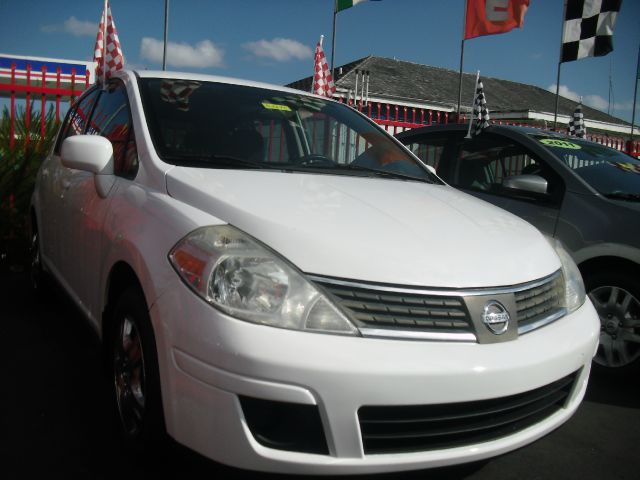 2008 NISSAN VERSA 18 S 4DR HATCHBACK 4A white spacious and economical call us to schedule you