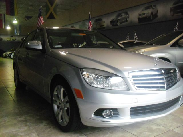 2009 MERCEDES-BENZ C-CLASS C300 LUXURY 4DR SEDAN silver we have one of the nicest per-owned merce