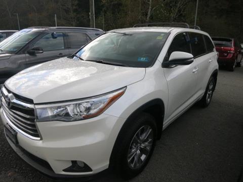 2015 Toyota Highlander for sale in Logan, WV