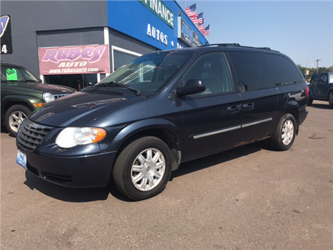 2007 Chrysler Town and Country for sale in Mora, MN