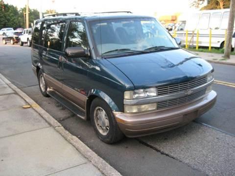 2002 Chevrolet Astro for sale in Massapequa Park, NY