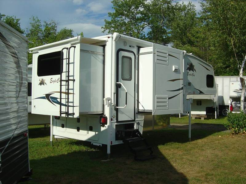 2017 Eagle Cap 1165 Truck Camper - Salem NH