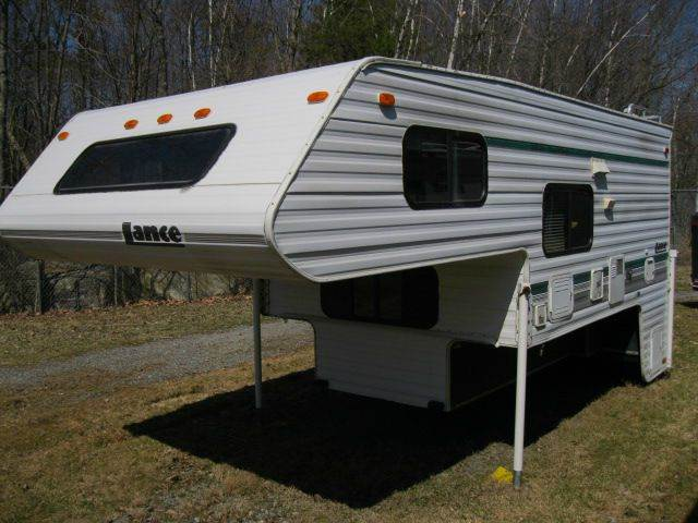 1997 Lance 8000
