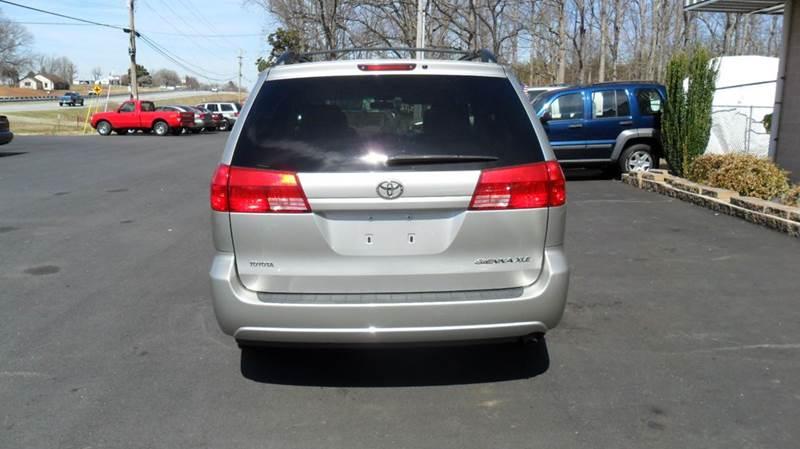 2004 Toyota Sienna AWD XLE 7-Passenger 4dr Mini-Van - Madison NC
