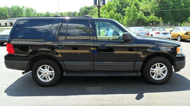 used 2004 ford expedition xlt 4wd 4dr in madison nc at 220 auto sales llc. Black Bedroom Furniture Sets. Home Design Ideas