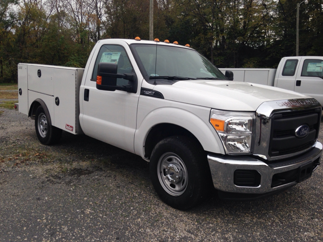 2015 Ford F-250 Super Duty 4x2 XL 2dr Regular Cab 8 ft. LB Pickup - Ladoga IN