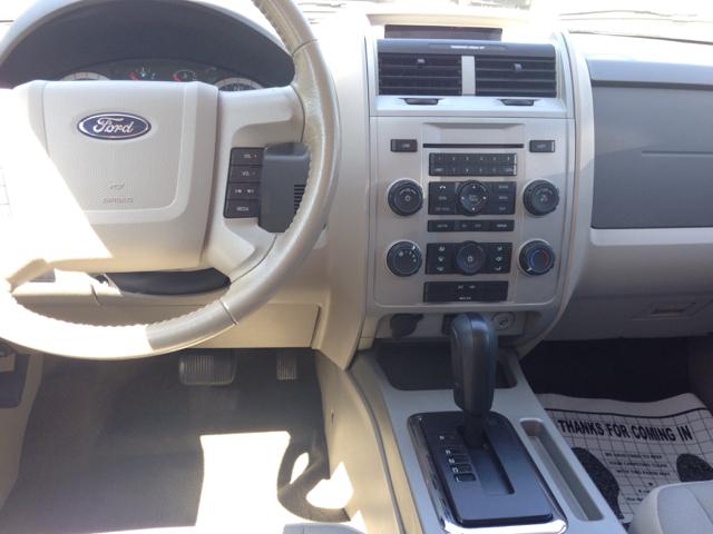 2011 Ford Escape XLT 4dr SUV - Ladoga IN