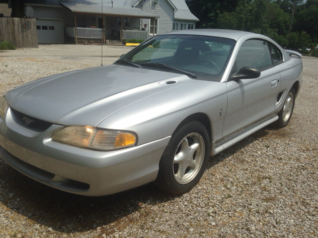 1998 Ford Mustang Base 2dr Coupe - Ladoga IN
