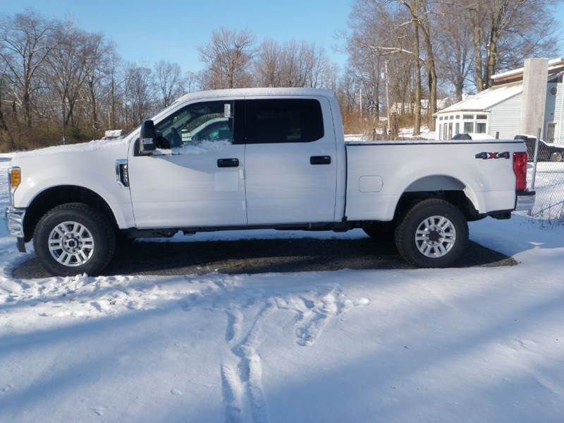 2017 Ford F-250 Super Duty 4x4 XLT 4dr Crew Cab 6.8 ft. SB Pickup - Ladoga IN