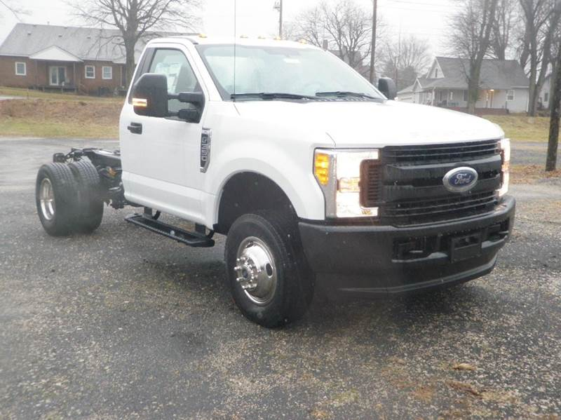 2017 Ford F-350 Super Duty 4x4 XL 2dr Regular Cab 145 in. WB DRW Chassis - Ladoga IN